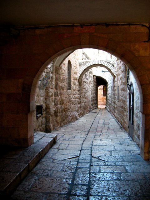 Portal into another world: Rehov Habad, Jerusalem, Ir ha'Atiqa